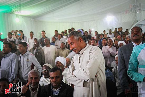 أبو هشيمة و3 وزراء ومحافظ أسوان يفتتحون إعادة إعمار قرية توشكى (24)