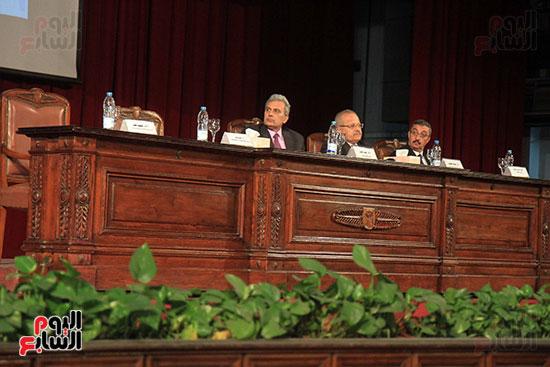 جامعة القاهرة تكرم أعضاء جدد من هيئة التدريس المنشورة أبحاثهم دوليا (5)
