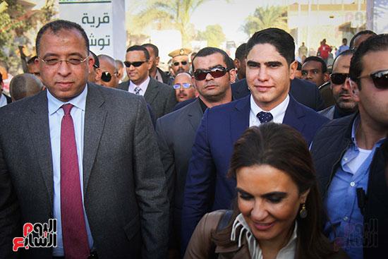 أبو هشيمة و3 وزراء ومحافظ أسوان يفتتحون إعادة إعمار قرية توشكى (4)