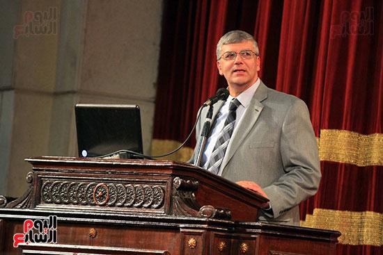 جامعة القاهرة تكرم أعضاء جدد من هيئة التدريس المنشورة أبحاثهم دوليا (15)