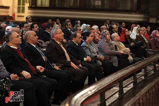 جامعة القاهرة تكرم أعضاء جدد من هيئة التدريس المنشورة أبحاثهم دوليا (18)