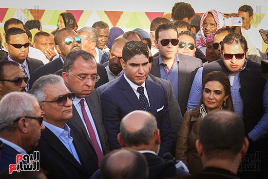 أبو هشيمة و3 وزراء ومحافظ أسوان يفتتحون إعادة إعمار قرية توشكى (10)