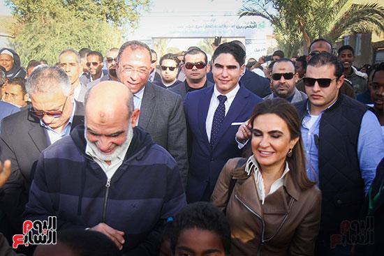 أبو هشيمة و3 وزراء ومحافظ أسوان يفتتحون إعادة إعمار قرية توشكى (5)