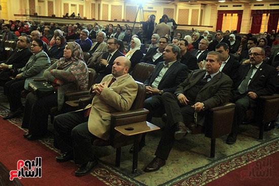 جامعة القاهرة تكرم أعضاء جدد من هيئة التدريس المنشورة أبحاثهم دوليا (3)