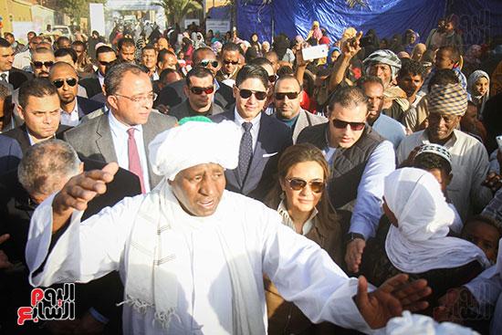 أبو هشيمة و3 وزراء ومحافظ أسوان يفتتحون إعادة إعمار قرية توشكى (8)