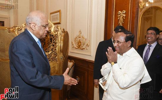 على عبد العال يستقبل رئيس المجلس التشريعى لولاية أندرا براديش الهندية (1)