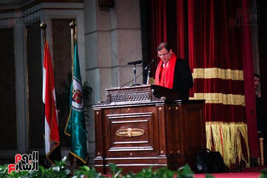 زاهى حواس جامعة القاهرة جابر نصار (1)