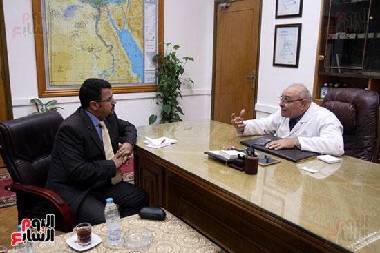 رئيس شركة النصر مع الزميل عبد الحليم سالم