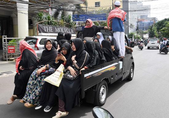 النساء تشارك فى تظاهرة ضد حاكم جاكرتا