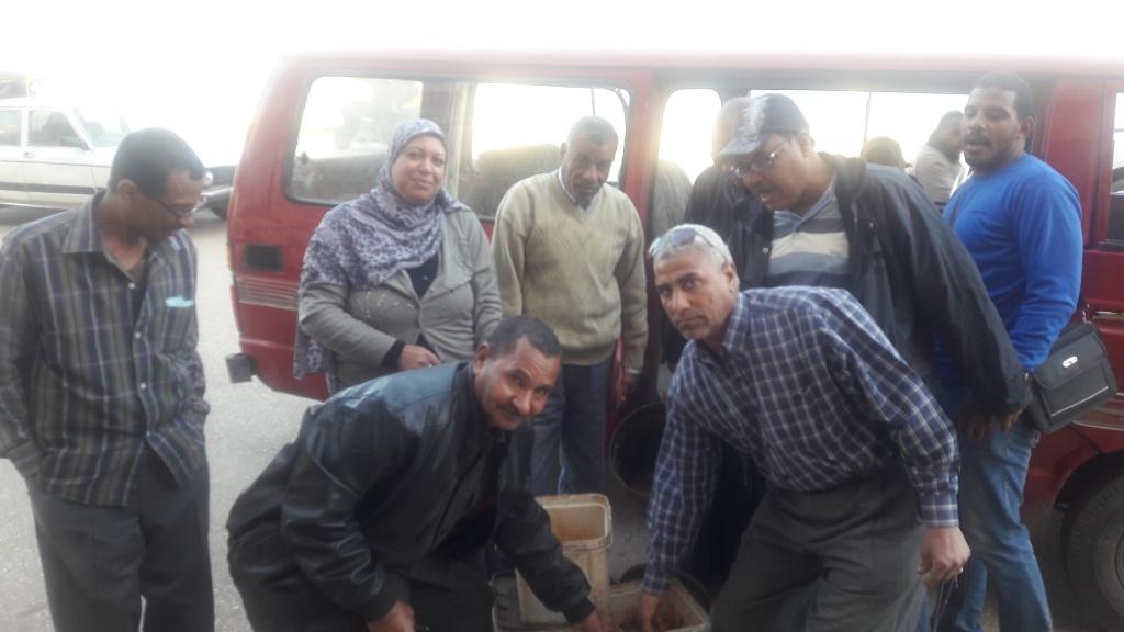 جانب من الحملة التموينية بمدينة اسنا