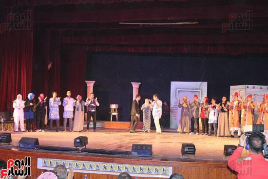 عرض مسرحى بجامعة أسيوط