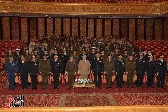 أكاديمية الشرطة تستقبل مدير كلية القادة (2)