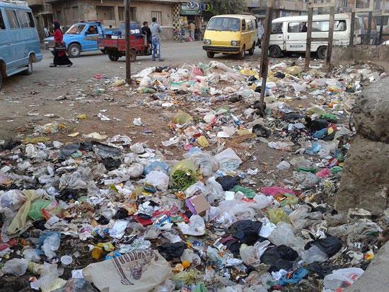 القمامة تملئ الشوارع