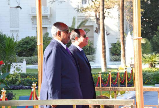 الرئيس عبد الفتاح السيسي، وإسماعيل عُمر جيلة رئيس جيبوتى (13)