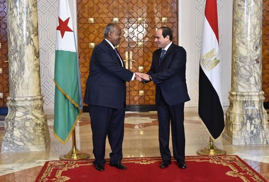 الرئيس عبد الفتاح السيسي، وإسماعيل عُمر جيلة رئيس جيبوتى (6)