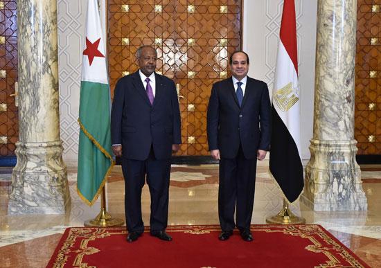 الرئيس عبد الفتاح السيسي، وإسماعيل عُمر جيلة رئيس جيبوتى (5)