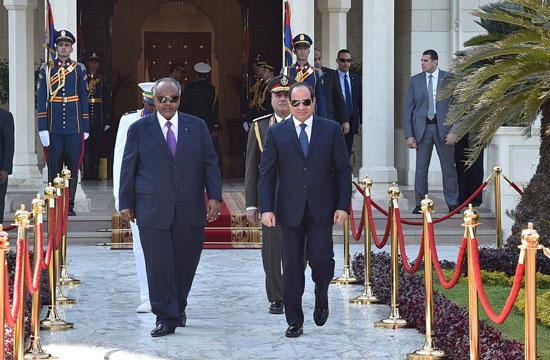 الرئيس عبد الفتاح السيسي، وإسماعيل عُمر جيلة رئيس جيبوتى (1)