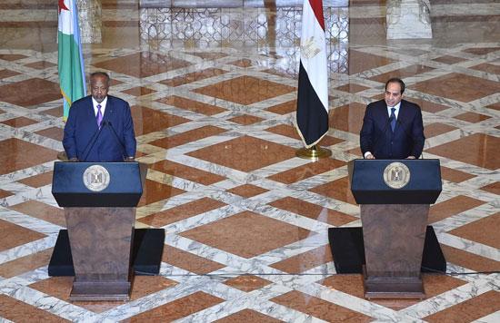 الرئيس عبد الفتاح السيسي، وإسماعيل عُمر جيلة رئيس جيبوتى (10)