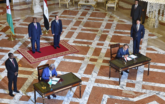 الرئيس عبد الفتاح السيسي، وإسماعيل عُمر جيلة رئيس جيبوتى (9)