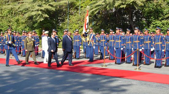 الرئيس عبد الفتاح السيسي، وإسماعيل عُمر جيلة رئيس جيبوتى (15)