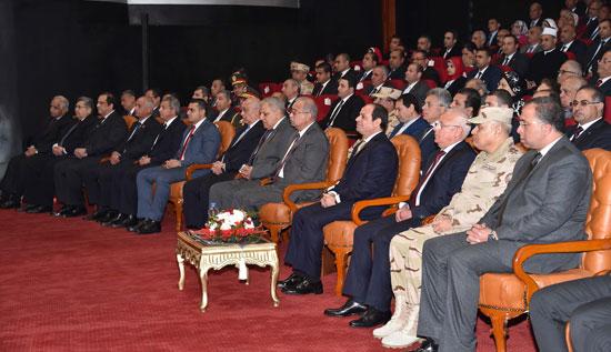 السيسى وقيادات الدولة خلال حفل الافتتاح