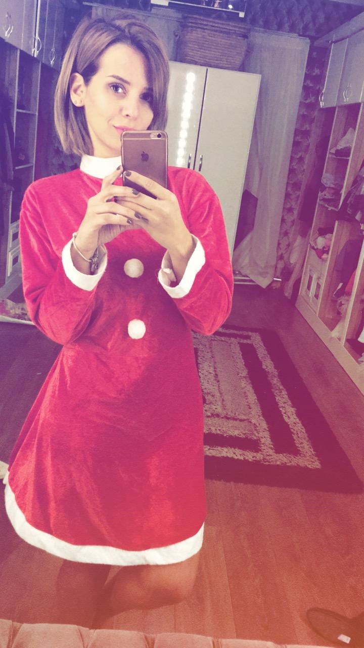 إيمان العاصى ترتدي زي بابا نويل