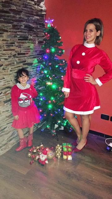 إيمان العاص مع ابنتها ريتاج