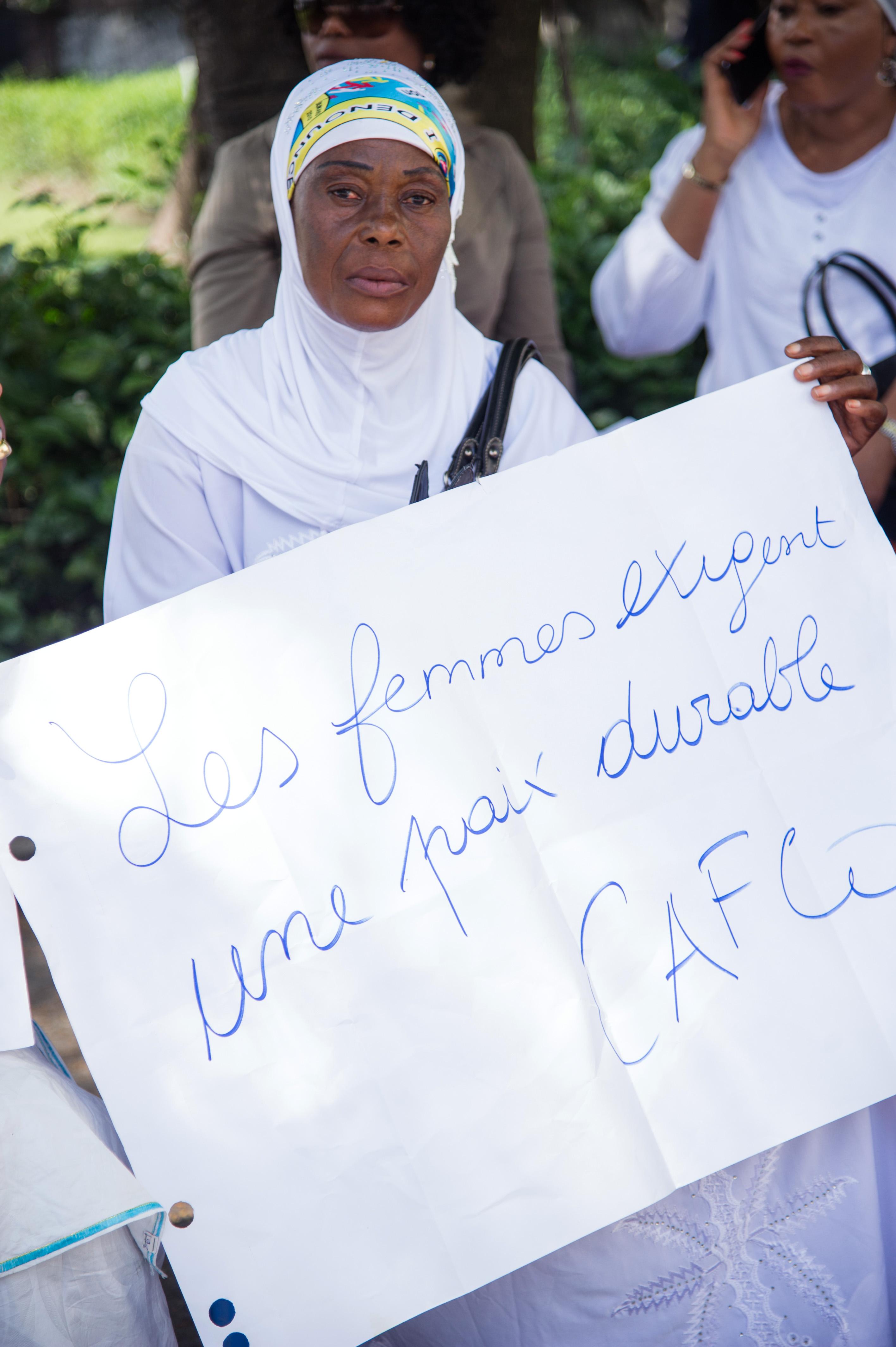 مظاهرة خارج مقر الاسقفية الكونغولية لبحث ازمة الرئاسية فى البلاد (1)