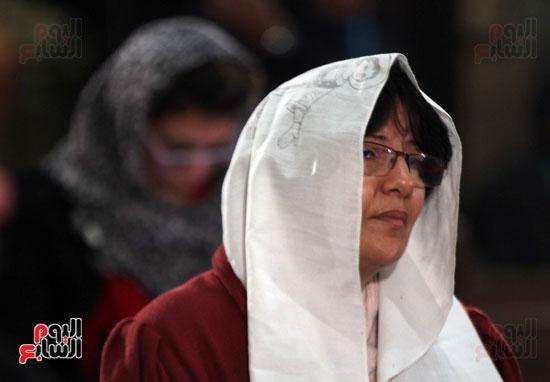 الصلاه فى الكنيسة البطرسية (13)
