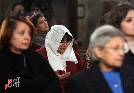 الصلاه فى الكنيسة البطرسية (10)