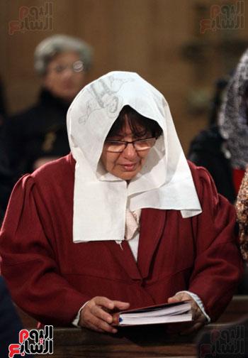 الصلاه فى الكنيسة البطرسية (7)