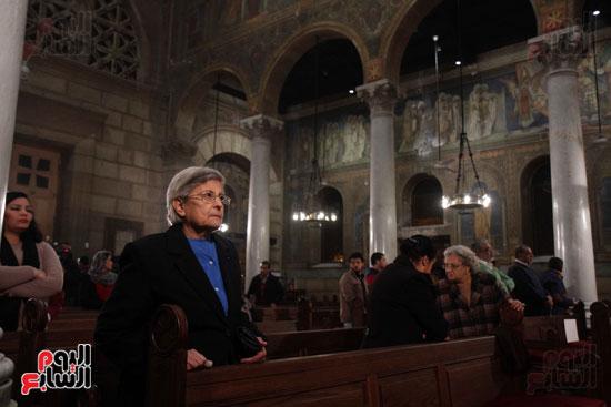 الصلاه فى الكنيسة البطرسية (3)