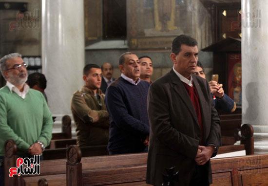 الصلاه فى الكنيسة البطرسية (1)