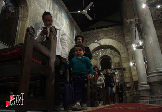 الصلاه فى الكنيسة البطرسية (24)