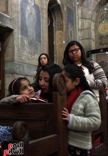 الصلاه فى الكنيسة البطرسية (25)