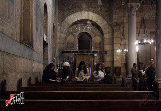 الصلاه فى الكنيسة البطرسية (4)