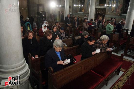 الصلاه فى الكنيسة البطرسية (23)