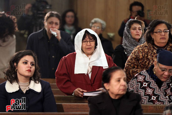 الصلاه فى الكنيسة البطرسية (8)