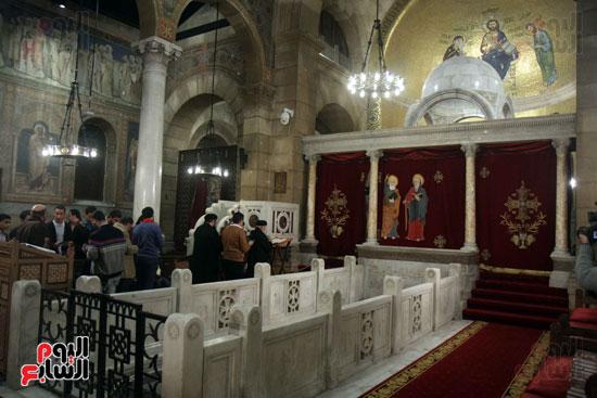 الصلاه فى الكنيسة البطرسية (19)