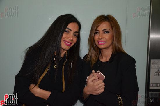 داليا مصطفى وآية