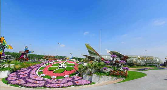أكبر مجسم مغطى بالزهور فى العالم