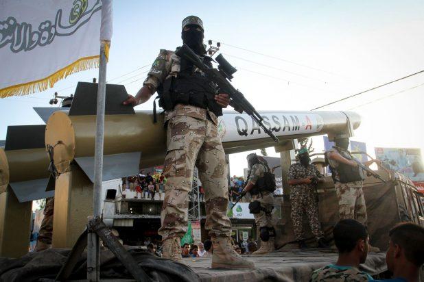 استعراض عسكري لكتائب عز الدين القسام