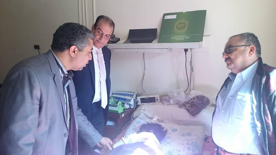 عميد معهد الكبد يتابع الحالات