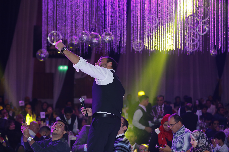 صورة لرامى صبرى مع جمهوره
