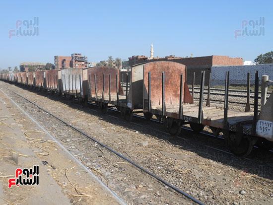 قطارات-القصب-خالية-من-المحصول-بعد-رفض-المزارعين-توريده