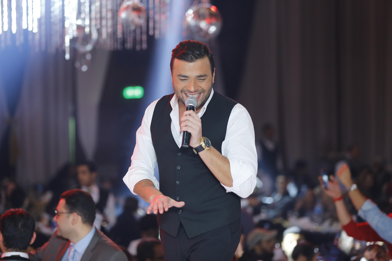 رامى صبرى يتألق فى حفله للعام الجديد