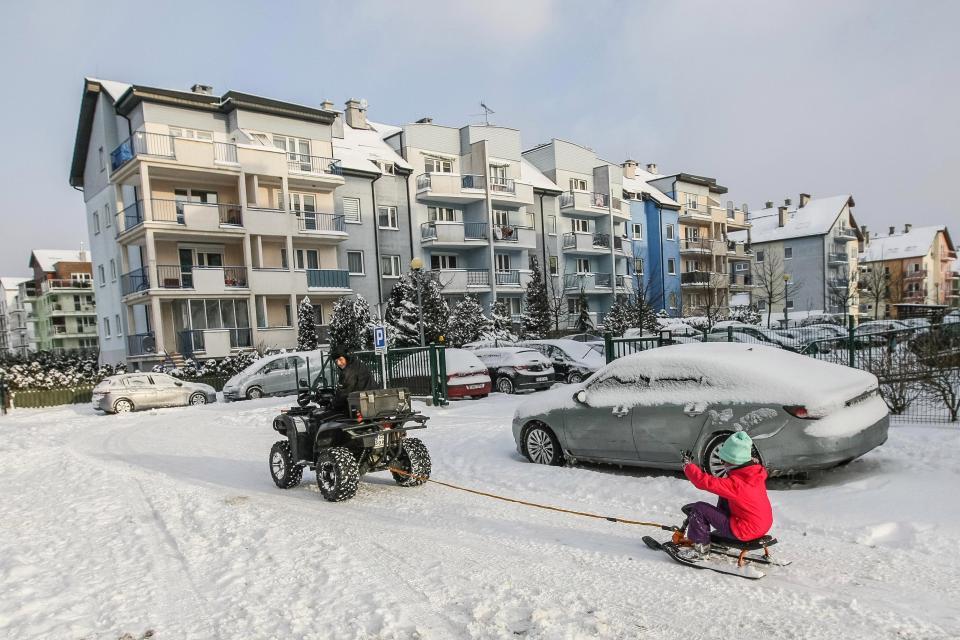 الثلوج تغطى شوارع أوروبا