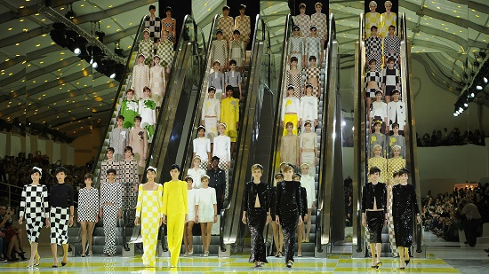 احدى عروض Louis Vuitton (2)