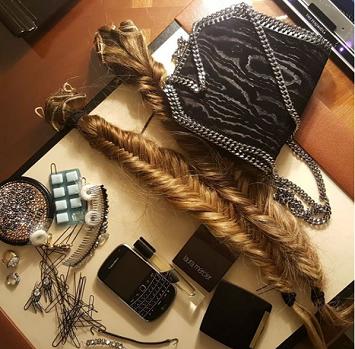 سارا جيسيكا باركر تنشر صورة وصلات الشعر الخاصة بها