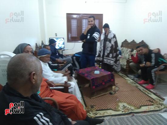 محررة اليوم السابع مع احدي النزيلات بالدار